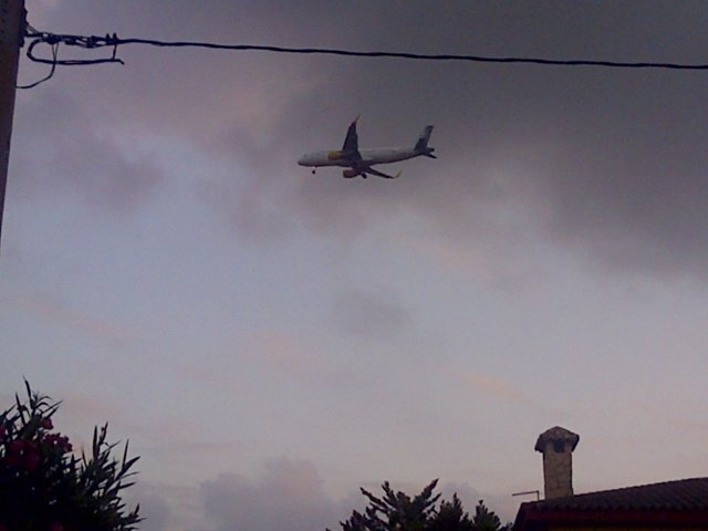 Avión sobre Riba-roja