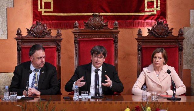 El pte.Carles Puigdemont y la pta.Carme Forcadell
