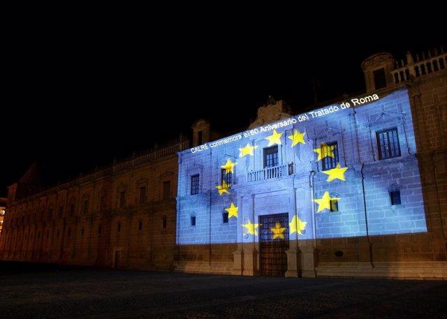 La bandera de Europa sobre la fachada del Parlamento de Andalucía