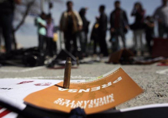 Protesta de periodistas por el asesinato de un reportero en México