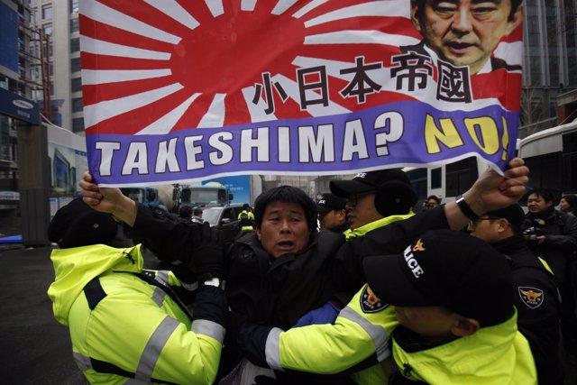 Protesta por las disputadas islas Dokdo/Takeshima