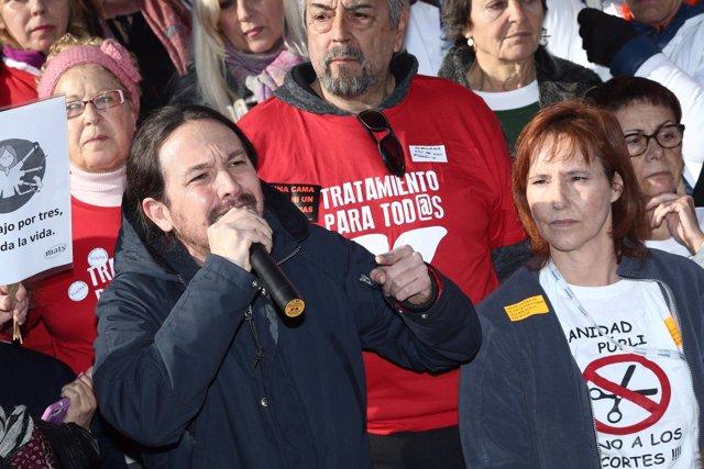 Pablo Iglesias en la concentración por el encierro en el Hospital 12 de Octubre