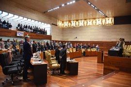 El Impuesto de Sucesiones enfrenta a la Junta de Extremadura y al PP en el pleno de la Asamblea