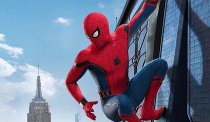 Spider-Man Homecoming: Peter Parker trepa por la torre de los Vengadores en los primeros carteles oficiales