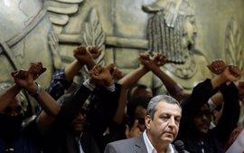 Pena suspendida de un año de cárcel para el ex secretario general del Sindicato de Periodistas de Egipto
