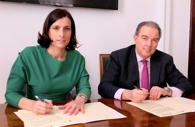 Firma convenio con Cesine