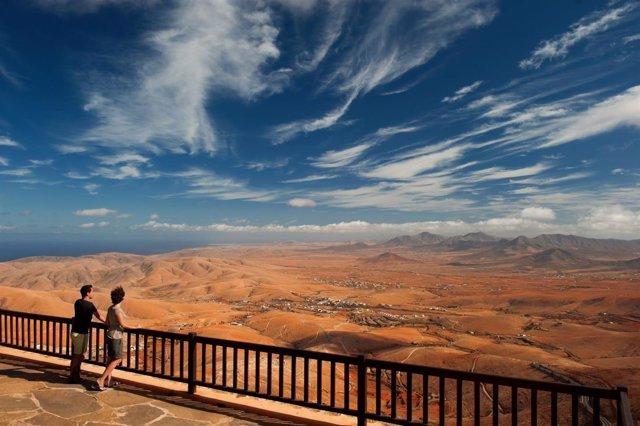 Vistas desde el Mirador de Morro Velosa, ideado por César Manrique