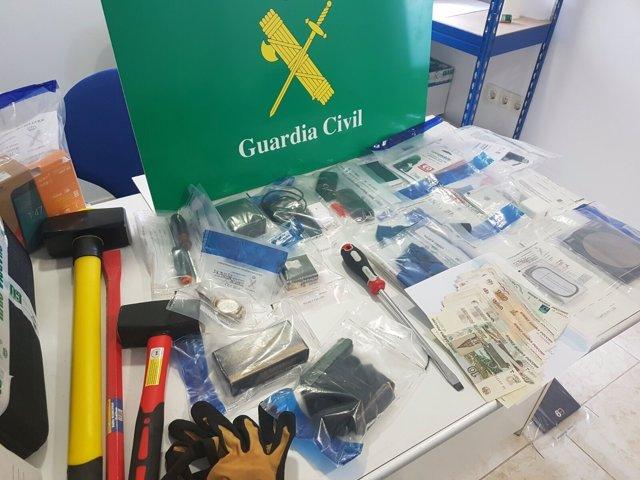 Material incautado en la Operación  Christmas de robos en casas de Ourense