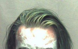 Detenido en Virginia un individuo con una espada y disfrazado del Joker, el villano de Batman