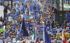 Miles de británicos salen a las calles para protestar contra el 'Brexit' en el 60 aniversario de la UE