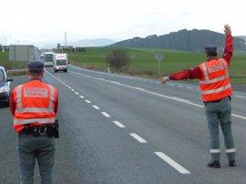 Policías de navarra controlarán esta semana las distracciones al volante