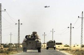 Cuatro militares egipcios muertos por una explosión al paso de su vehículo en la región del Sinaí