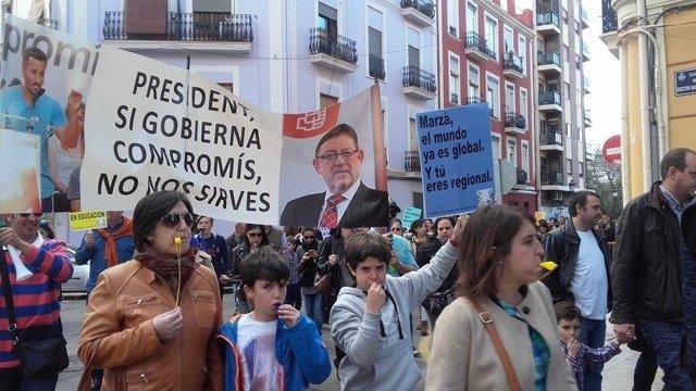 Manifestación contra el decreto plurilingüe
