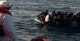 Trasladados a Tarifa ocho inmigrantes rescatados de una patera