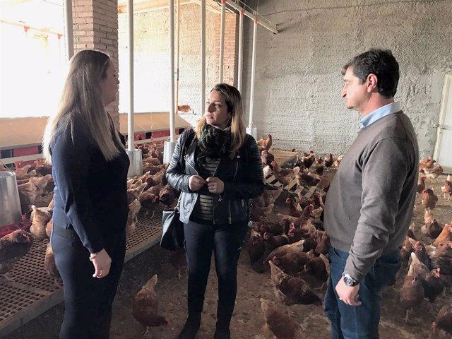 La diputada de Agricultura, en las instalaciones de la empresa 'Olymar'.
