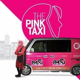 Taxis rosas para mujeres en Pakistán
