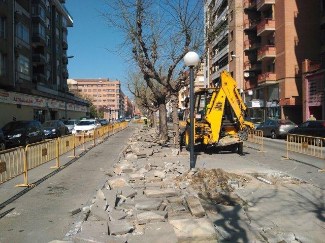 Obras en la calle Menéndez Pidal de Huesca
