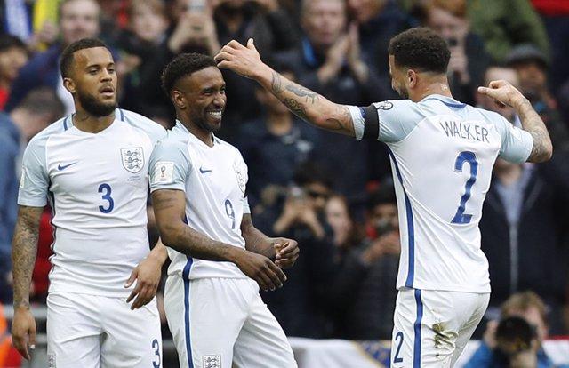 Inglaterra supera a Lituania