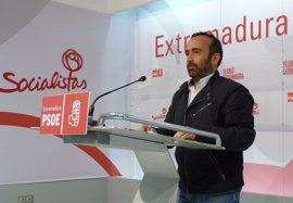 """El PSOE pide """"complicidad"""" a """"todos"""" los partidos para """"defender"""" a Extremadura de los """"agravios comparativos"""" de Rajoy"""