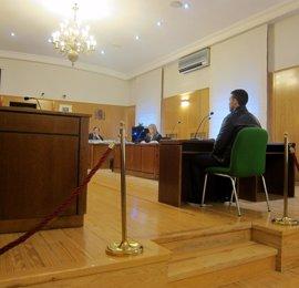 Un presunto traficante alega que ocultaba 35.000 euros en su coche para eludir al fisco y a otros acreedores