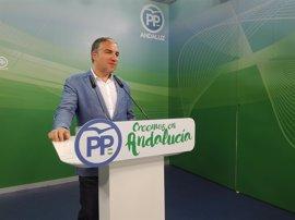 """PP-A anima a Díaz a pedir una """"excedencia forzosa"""" y afea que se rodee de quienes suponen """"la etapa más negra"""" de España"""