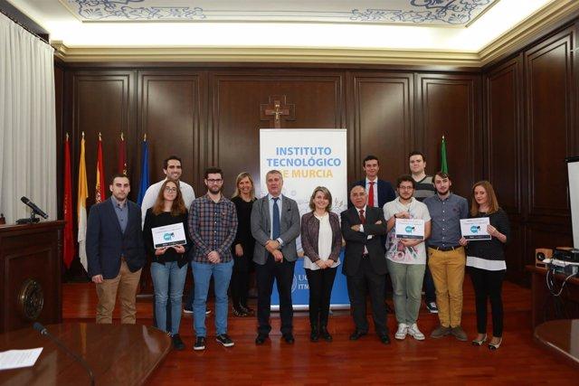 UCAM entrega los premios HackForGood