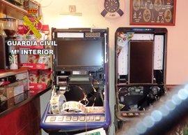 Detenido por robar más de 1.800€ de las tragaperras de su propio bar
