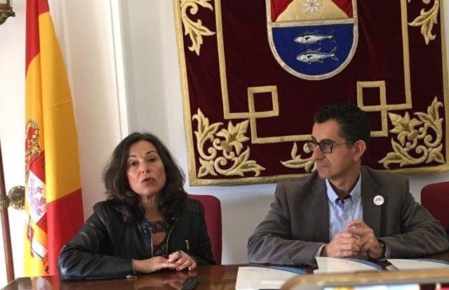 Diputación entrega un estudio de eficiencia energética a Ayuntamiento de Barbate