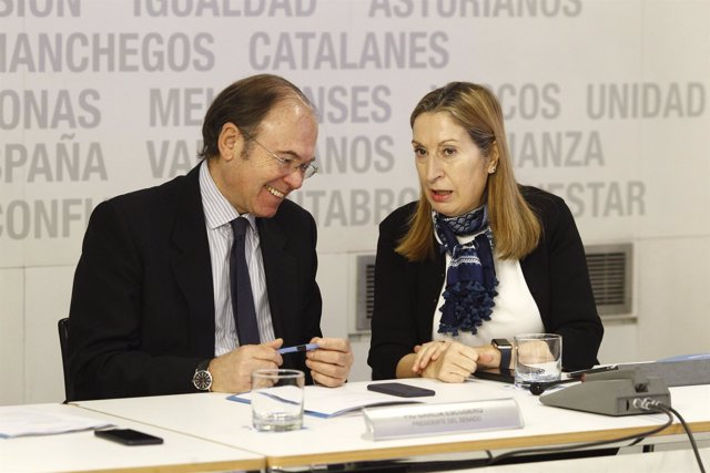 Pío García Escudero y Ana Pastor en la reunión del Comité Ejecutivo Nacional