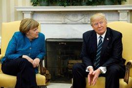 Alemania niega que Trump le entregara a Merkel una factura con la deuda de la OTAN