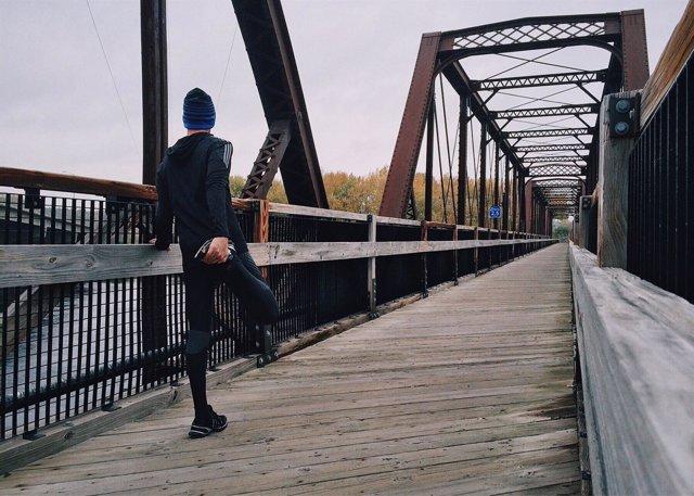 Hombre corriendo, ejercicio, salir a correr