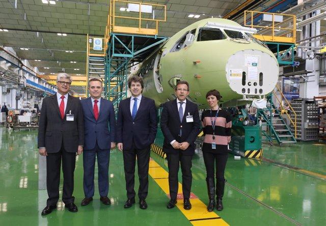 Bueno durante la visita a Airbus Tablada