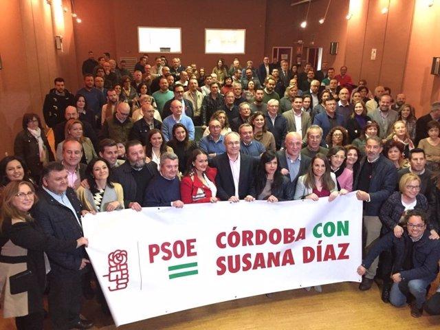 Militantes y dirigentes del PSOE cordobés apoyan la candidatura de Susana Díaz