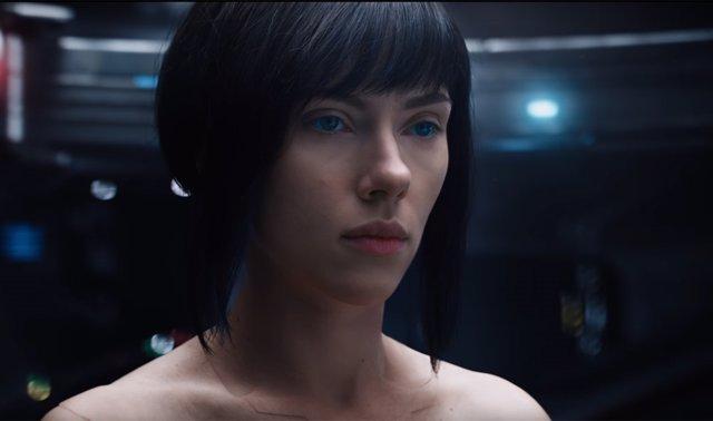 Scarlett Johansson en Ghost in the Shell: El alma de la máquina