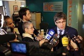 Puigdemont condena la irrupción de Arran y Gabriel (CUP) en la sede del PP catalán