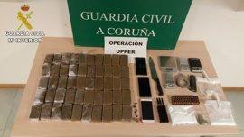 Detenidas dos personas en A Coruña por tráfico de drogas e incautados algo más de cinco kilos de hachís