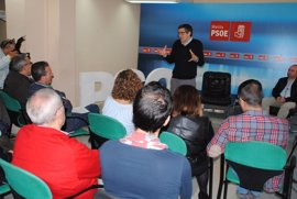 """Patxi López ve positivo que la gestora proponga un debate entre candidatos e incluso es partidario de """"tres"""""""