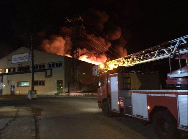 Incendio en nave industrial de Getafe