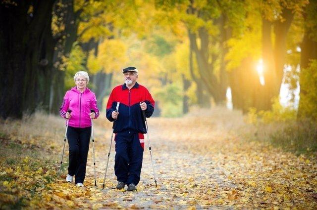 Mayores, caminar, andar, envejecer