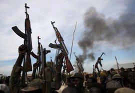 Los rebeldes sursudaneses dicen haber capturado una localidad en la frontera con Uganda