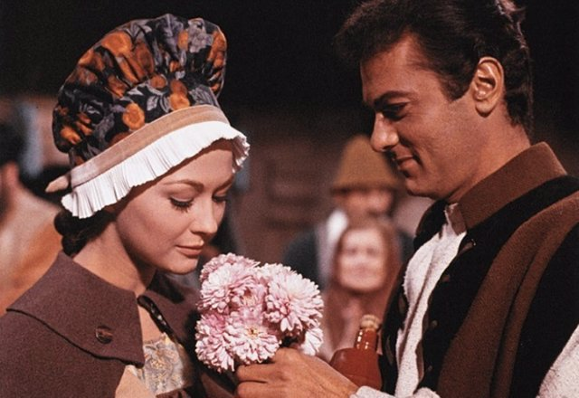 Christine Kaufmann y Tony Curtis