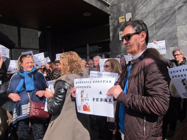 Protesta de los trabajadores de Justicia en Cáceres
