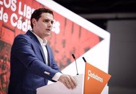 """Rivera acusa a la diputada andaluza que ha dejado Ciudadanos de """"robar"""" el escaño """"a los militantes"""""""