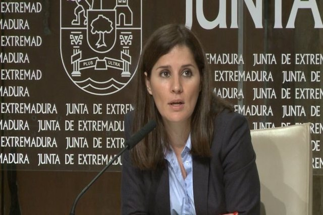 Isabel Gil Rosiña, Extremadura