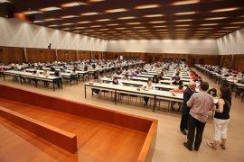 """El rector de la UPNA dice que la Universidad ha realizado un """"esfuerzo importante"""" para aumentar la oferta en euskera"""