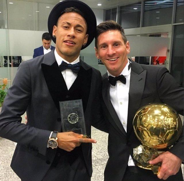 Leo Messi y Neymar tras la ceremonia del Balón de Oro