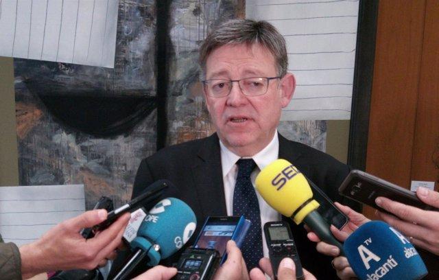 Ximo Puig en la sede de la UA antes del homenaje a Miguel Hernández