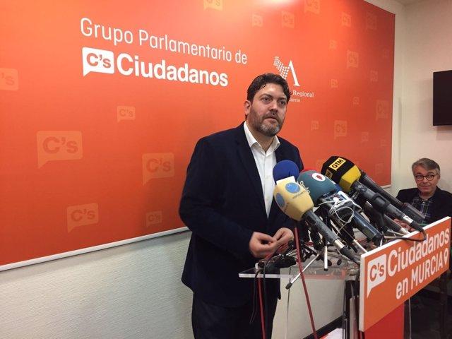 Miguel Sánchez en rueda de prensa