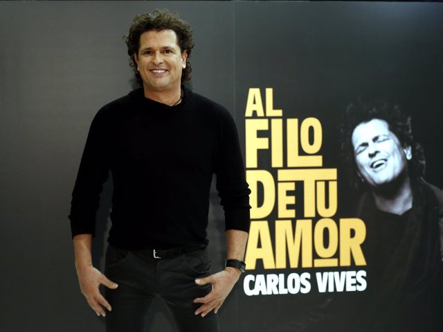 Carlos Vives posa para los medios