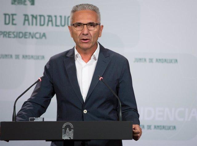 El portavoz del Gobierno andaluz, Miguel Ángel Vázquez